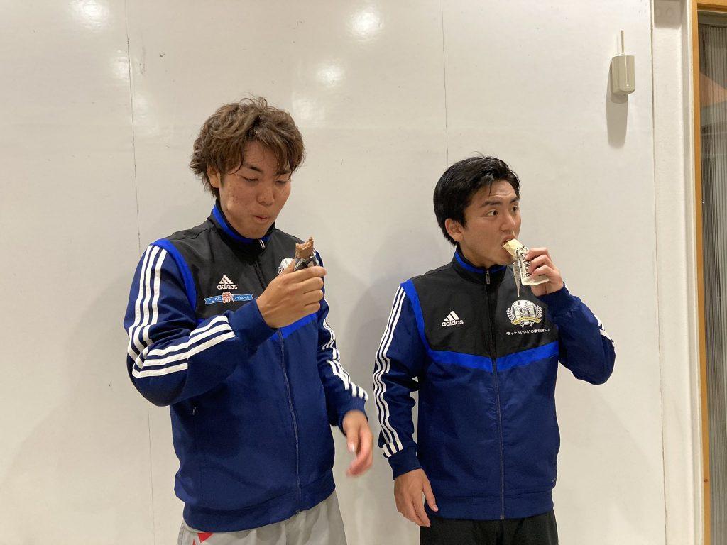 名古屋シティユナイテッドFCの選手とストロングバー